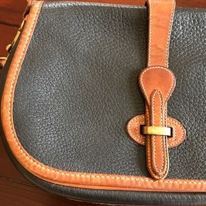 Vintage Dooney & Bourke shoulder flap bag